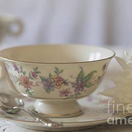 Teresa Wilson - Afternoon Tea - 3748