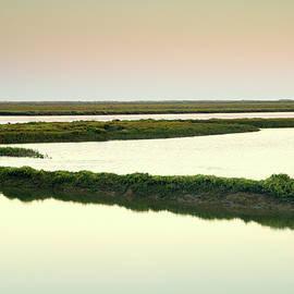Guido Montanes Castillo - Algarve Lakes