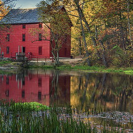 Alley Spring Mill Fall MO DSC09240