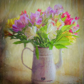 Bellesouth Studio - Alstroemeria In Enamel Coffee Pot