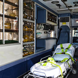 Paul Ward - Ambulance A Look Inside