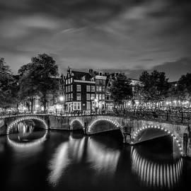 AMSTERDAM Idyllic nightscape from Keizersgracht and Leliegracht - Monochrome - Melanie Viola