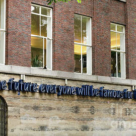 RicardMN Photography - Andy Warhol quote in Rotterdam