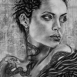 Dianne Benanti - Angelina Jolie