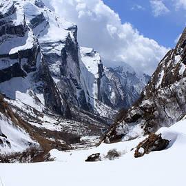 Aidan Moran - Annapurna Mountain Trail