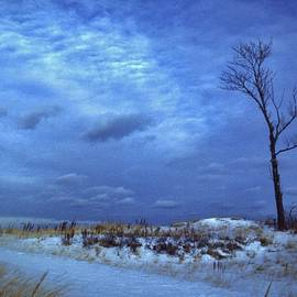 Rory Cubel - Approaching Winter Storm