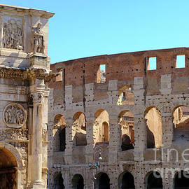 Guido Montanes Castillo -  Arch of Constantine and Coliseum in Roma
