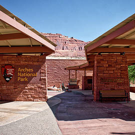 Thomas Woolworth - Arches National Park Utah Visitor Center Signage 02