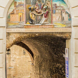 Lisa Lemmons-Powers - Archway in Italy