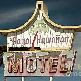 Arnes Motel by Christian Hallweger