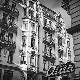Carol Japp - Art Nouveau Vienna in Black and White