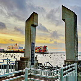 Northwest Photography and Art - Astoria Maritime Memorial