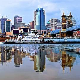 Skyline Photos of America - At Work in Cincinnati