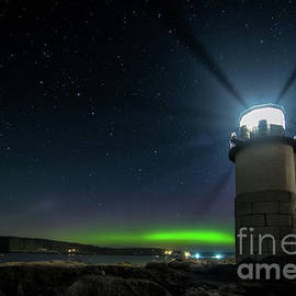 Scott Thorp - Aurora at Marshall Point