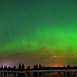 Dan Jurak - Aurora Over Pond Panorama