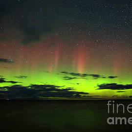 Aurora over Whitefish Bay by Dale Niesen