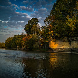 DM Photography- Dan Mongosa - Autumn Along the Seven Pillars