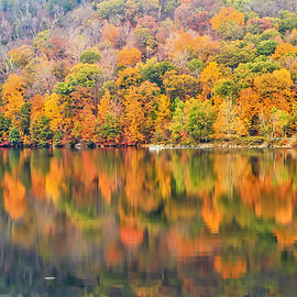 Autumn foliage in Ringwood NJ by Geraldine Scull