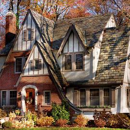 Mike Savad - Autumn - Gnome home
