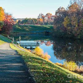 Thomas Marchessault - Autumn On Lake Inspiration