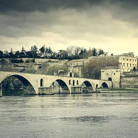 Mickael PLICHARD - Avignon cityscape