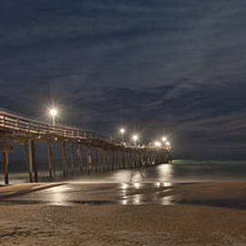 Laurinda Bowling - Avon Pier at night