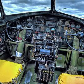 B17 Nine-O-Nine cockpit v3