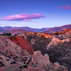 Bad lands at sunset by Guido Montanes Castillo