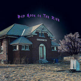 Joe Paradis - Bad Moon on The Rise