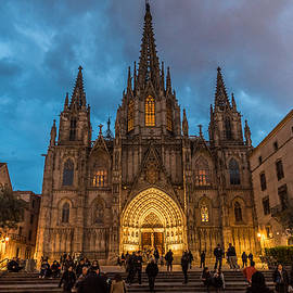 Randy Scherkenbach - Barcelona Cathedral at Dusk