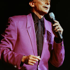 Gary Gingrich Galleries - Barry Manilow-0786