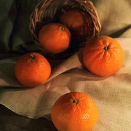 Jaroslaw Blaminsky - Basket of fresh tangerines