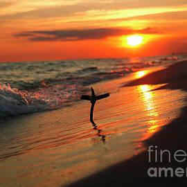 Luana K Perez - Beach Sunset and Cross