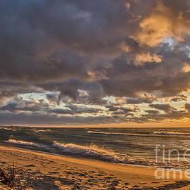 Sue Smith - Beach Sunset on Lake Michigan