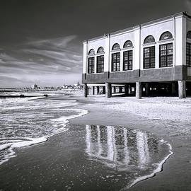 Beach View of OC Music Pier