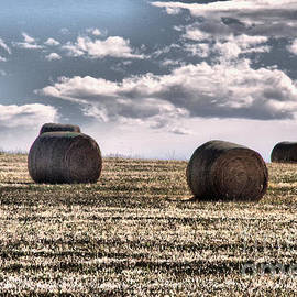 Bails in clouds by Jeff Swan