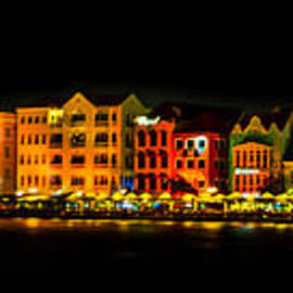 Rene Triay Photography - Beautiful Curaco by Night