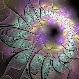 Anna Maloverjan - Beautiful fractal