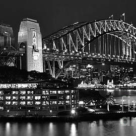Beautiful Sydney Harbour in Black and White