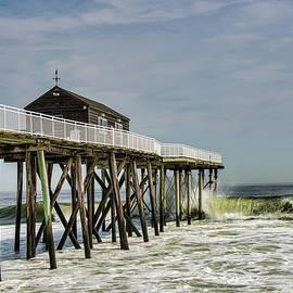 Gary Slawsky - Belmar Fishing Pier Meets Waves