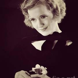 Esoterica Art Agency - Billie Burke, Hollywood Legend