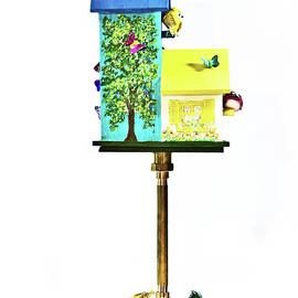 Lynne Albright - Birdhouse on pole - Right back view