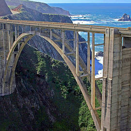Suzanne Stout - Bixby Bridge