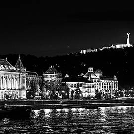 Lisa Lemmons-Powers - Black and White Budapest