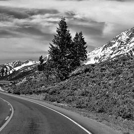 Dan Sproul - Black And White Road To The Mountains