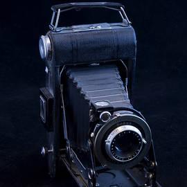 Black Kodak by Robert Murray