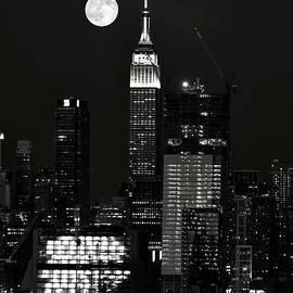 Regina Geoghan - Blue Moon over Manhattan