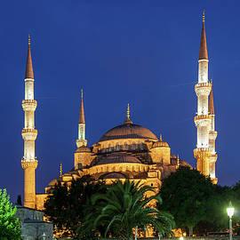 Artur Bogacki - Blue Mosque at Night in Istanbul