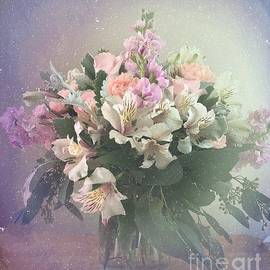 Luther Fine Art - Bouquet of Love