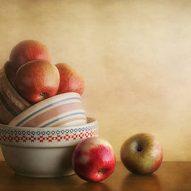 Tom Mc Nemar - Bowls and Apples Still Life